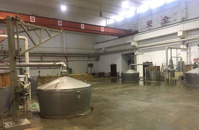 湖北黄鹤楼酒业使用酿酒设备现场